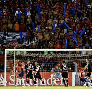 Hinchas de River Plate agreden a fanáticos de Jorge Wilstermann en Argentina