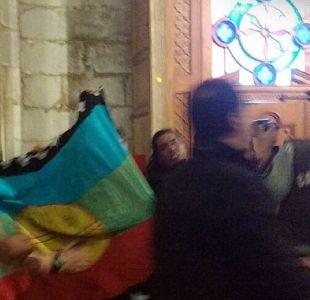 Agrupaciones mapuche intentan tomarse la Catedral de Santiago