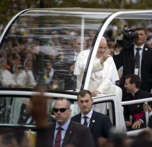 Papa Francisco en el papamovil durante su visita a Filadelfia