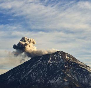 Tras el terremoto, el volcán Popocatépetl lanza cenizas en centro de México