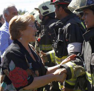 Los tuits de Bachelet: el timeline presidencial durante la peor catástrofe del último año