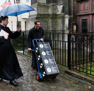 Una iglesia de Bruselas lanza su propia cerveza para recaudar dinero