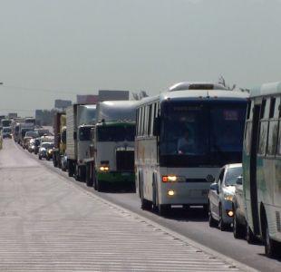 [VIDEO] Saldrán 360 mil autos de Santiago en dieciocho chico