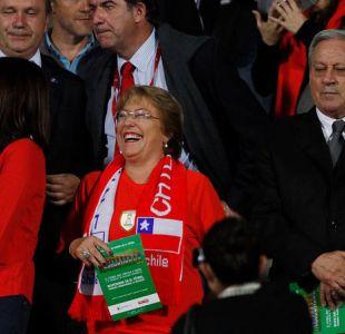 Bachelet acepta invitación de la ANFP y viaja a Brasil para alentar a La Roja