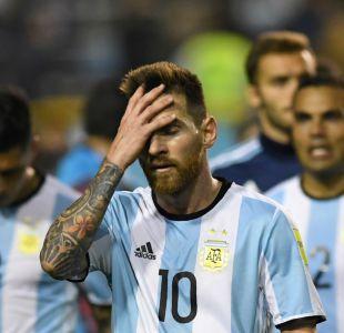 Le cortan las piernas a la estatua de Messi en Buenos Aires