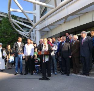 Bachelet recibe a refugiados sirios: Nuestro deseo en que comiencen a dejar atrás el miedo