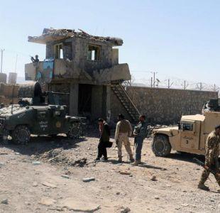 Talibanes matan a 30 miembros de fuerzas seguridad en Afganistán