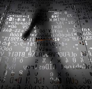 ¿Cómo surgen y por qué las teorías conspirativas son tan populares en internet ?