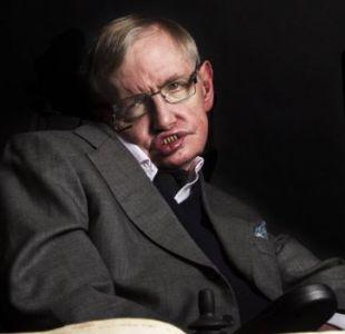 Hawking sigue trabajando en la Universidad de Cambridge a los 75 años.