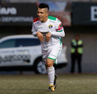 Bryan Carrasco lidera cerrada lucha por convertirse en el goleador del Transición