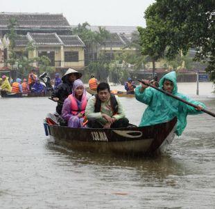 Una treintena de  muertos deja el paso del tifón Damrey por Vietnam
