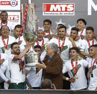 [VIDEO] El desatado festejo de Santiago Wanderers al levantar el trofeo de Copa Chile