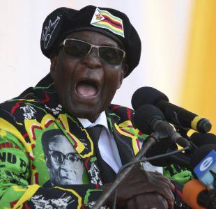 La caída de Mugabe, el presidente más longevo del mundo que gobernó Zimbabue con mano de hierro