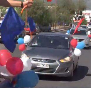 PDI allana una población disfrazados de un caravana que cerraba una campaña política