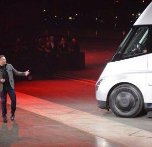 El nuevo camión de Tesla totalmente eléctrico impulsaría demanda de metales para baterías