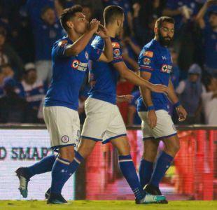 [VIDEO] Éste gol de Felipe Mora mete a Cruz Azul en playoffs y desata locura en México