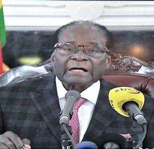 Presidente Mugabe esquiva dimitir y se aferra al poder
