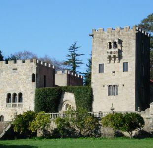 La batalla de un pueblo de Galicia por recuperar un palacete y romper con el régimen de Franco