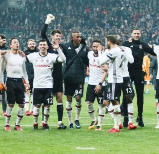 Gary Medel juega en igualdad del Besiktas que logra histórica clasificación en Champions