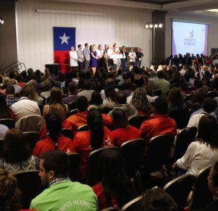 """The Economist: Chile entra en """"territorio político inexplorado"""" y Piñera ya no es el gran favorito"""