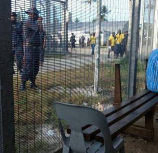 Policía desaloja a inmigrantes del centro papú de Manus