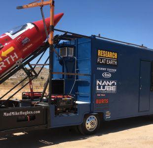Insólito: Un hombre se lanzará en un cohete para intentar probar que la tierra es plana