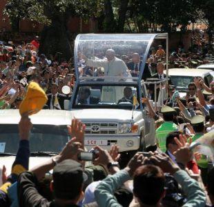 Llega uno de los tres papamóviles que usará Francisco en Chile