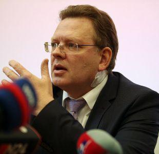 Conmoción en Alemania: Alcalde es apuñalado por su política a favor de los migrantes