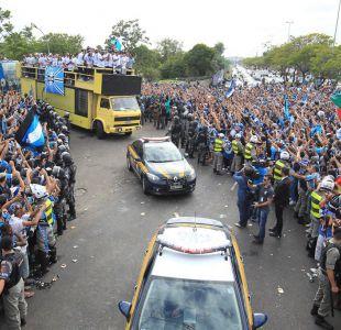 [FOTOS] La multitudinaria recepción a Gremio en Porto Alegre tras conseguir la Copa Libertadores