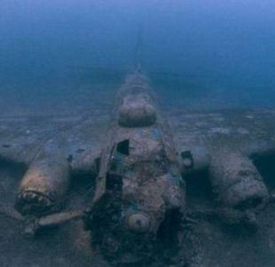 Las impresionantes imágenes de barcos y aviones de guerra en el fondo del océano