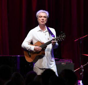 David Byrne extiende gira que lo traerá a Lollapalooza Chile 2018