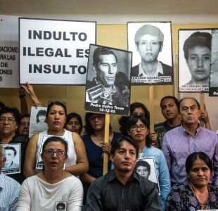 Miles de peruanos marchan contra indulto a Fujimori