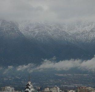 La lluvia sorprendió a santiaguinos a horas del Año Nuevo