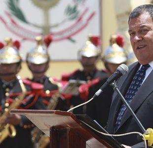 Renuncia el ministro de Defensa peruano tras indulto a Fujimori