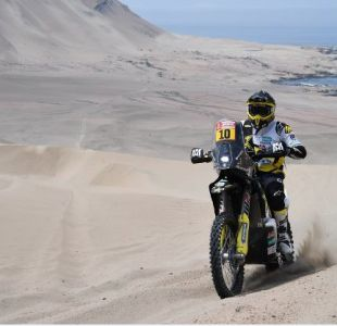 Pese a ceder tiempo en la etapa, Quintanilla sube al tercer puesto en el Dakar