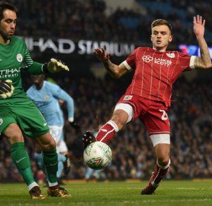 El City de Claudio Bravo vence en la agonía al modesto Bristol por la Copa de la Liga