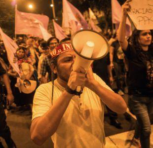 Miles de peruanos exigen renuncia de Kuczynski tras indulto a Fujimori