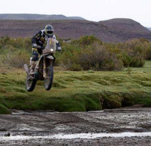 Quintanilla sufre caída en la octava etapa y pierde terreno en el Rally Dakar