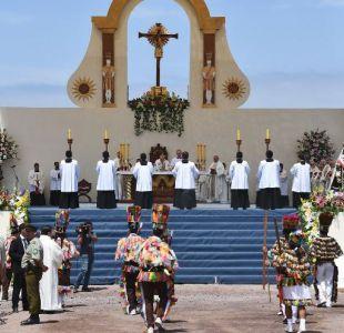 Papa Francisco pide por los inmigrantes en misa de Iquique marcada por baja asistencia