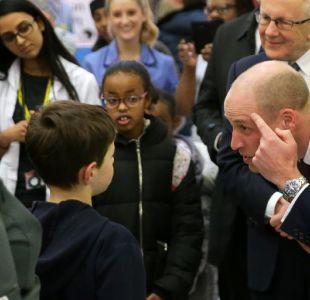 Príncipe William asume la calvicie y aparece por primera vez con la cabeza rapada