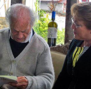 Michelle Bachelet junto a Nicanor Parra