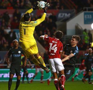 Claudio Bravo avanza junto al Manchester City a la final de Copa de la Liga