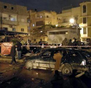 Libia: casi 30 muertos por doble atentado con coches bomba