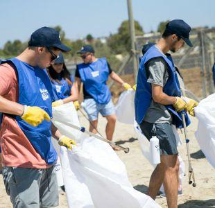 Más de 600 kilos de microplástico se recolectaron en playas de la IV región