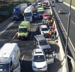 Colisión múltiple en Autopista Central genera gran congestión vehicular