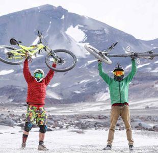 [VIDEO] Hazaña en bicicleta: El ascenso de 6.800 metros al volcán Ojos del Salado