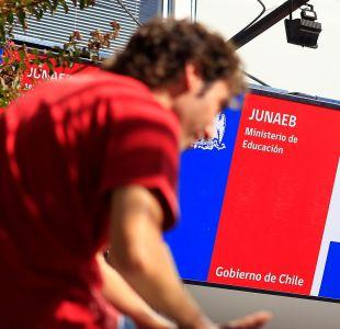 Acusan ante Contraloría presuntas irregularidades en licitaciones de Junaeb