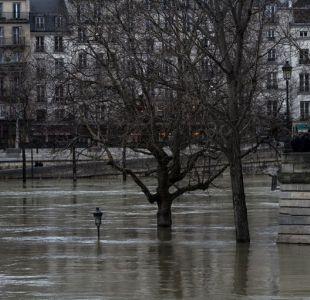 El Sena toca su máximo en crecida que tiene a los parisinos en vilo