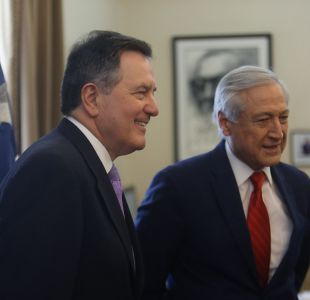 Ampuero y Muñoz viajarán a París a reunirse con abogados de La Haya