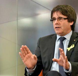 Cataluña: Puigdemont reivindica su candidatura y pide unidad